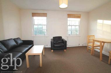 One Double Bedroom at Caledonian Road, Islington, N1, 9DT
