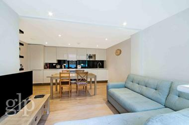 Two double bedrooms at Trematon Walk, Islington, N1, 9FN