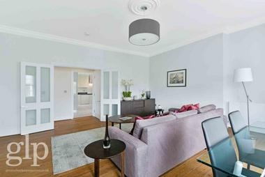 Two double bedrooms at Connaught Street, Hyde Park, 2AA