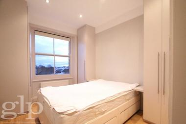 Top floor apartment at Sutherland  Avenue, Maida Vale, 2QJ