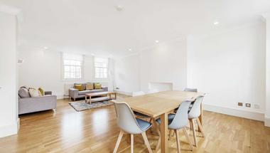 Two DOUBLE bedrooms at Garbutt Place, Marylebone, London, 4DS