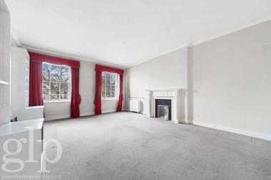 One bedroom apartment at Hyde Park Square, Hyde Park, W2, 2NW