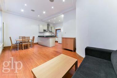 Enviable Hyde Park Location at Inverness Terrace, Bayswater, W2, 3JL