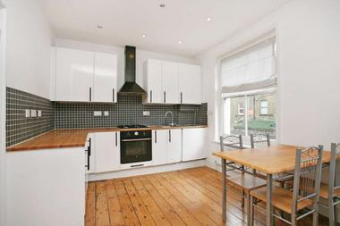 One Double Bedroom at Eagle Mansions, Stoke Newington, N16, 8AU