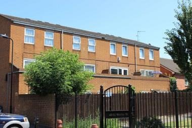 3 Double Bedrooms at Mabley Street, Hackney, 5RL