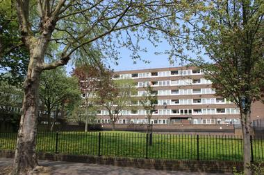 Two Double Bedrooms at Brenthouse Road, Hackney, 6QE