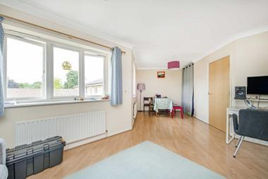 Beautiful Two Double Bedroom Apartment at Prince Edward Road, Hackney Wick, E9, 5LX