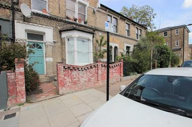 NO AGENCY FEES!! at Lenthall Road, London Fields, E8, 3JN