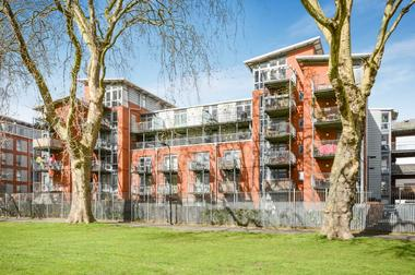 One Bedroom Apartment at Southwold Road, Upper Clapton, 9PB