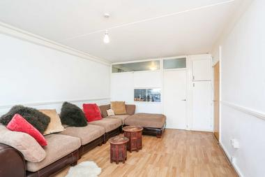 Spacious 2 Bedroom Apartment at Wick Road, Hackney, E9, 5AX