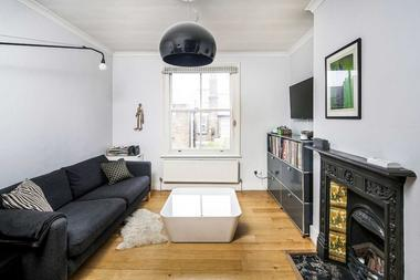 Stunning Period Split Level Apartment at Alcester Crescent, Clapton, E5, 9PX