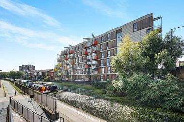 Two Double Bedrooms at Queensbridge Road, Hackney, 8EZ