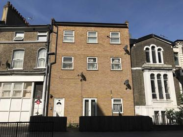 Three Double Bedrooms at Barnabus Road, Homerton, 5SB