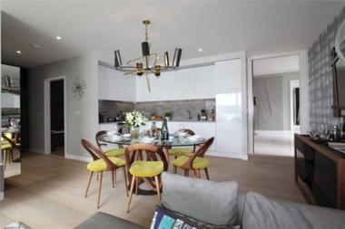 Two Bedroom Apartment at Royal Wharf, Royal Docks, 2SB