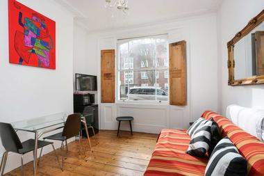 One Bedroom Period Conversion at Axminster Road, Islington, 6BT