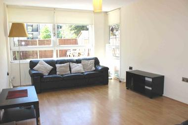 Three Double Bedrooms at De Beauvoir Estate, Islington, 5TP