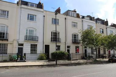 Three Double Bedrooms at Liverpool Road, Islington, 1LG
