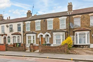Beautiful 4 double bedroom Victorian house at Grange Park Road, Leyton, E10, 5EP