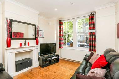 NO SECURITY DEPOSIT REQUIRED!!! at Newbury Road, Highams Park, 9JH
