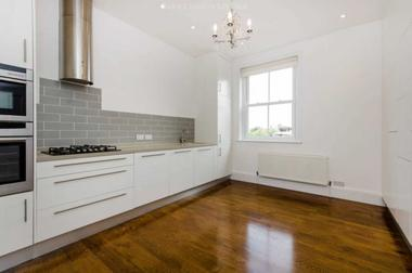 Wonderful split-level maisonette in excellent decorative order at HIGH STREET, WIMBLEDON VILLAGE, SW19, 5EG