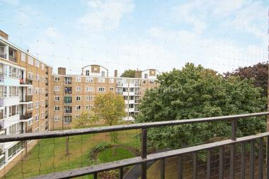 Attractive four bedroom flat at INNES GARDENS, PUTNEY, SW15, 3AE