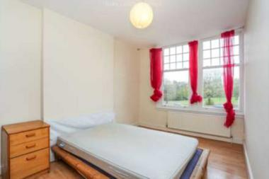 Wonderful one bedroom flat at Orbain Rd, London, 7JZ