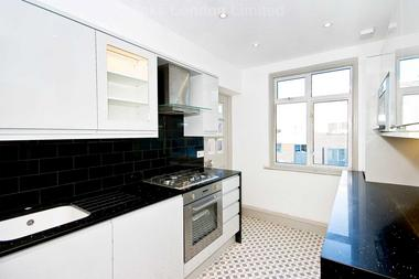 2 Bedrooms at Moira Court, Balham, SW17, 7AE