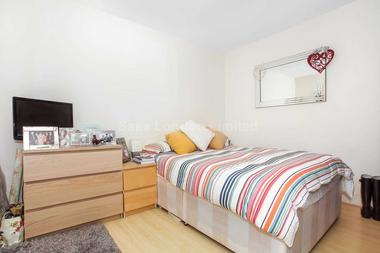 Fabulous two double bedroom flat at NORTHCOTE ROAD, CLAPHAM JUNCTION SW11, 1NG