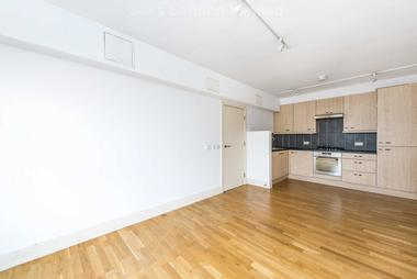 Excellent one bedroom first floor flat at STREATHAM HIGH ROAD, STREATHAM HILL, SW16, 1PS