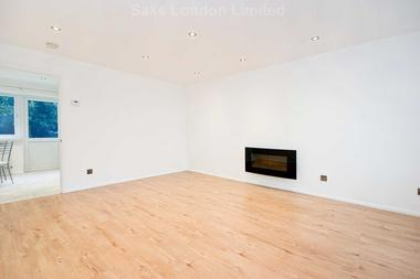 Fabulous three bedrooms at Beckton, E16, 3RF