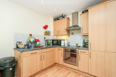 Great estimated reception room at Marius Road, Tooting Bec, SW17 7QU, 7QU