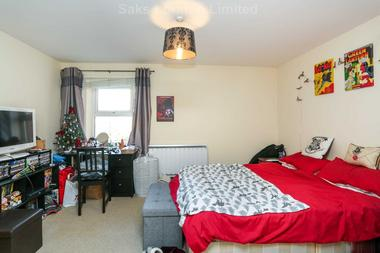 Two double bedroom flat at Wyatt Park Road, Streatham Hill, SW2, 3TN