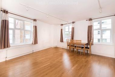 Enormous reception area at Knighton Park Road, Lower Sydenham, SE26, 5RJ