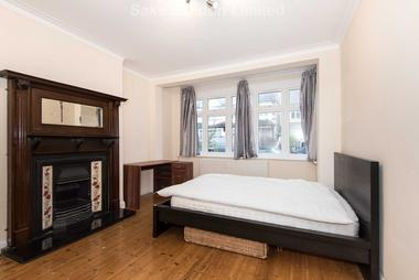 High demand area at Elmfield Road, Tooting Bec, SW17, 8AA