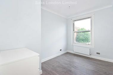 Perfect for professional sharers or students at Grosse Way, Putney, SW15, 5DQ