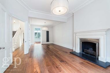 Four Double Bedroom House at Connaught Street, Hyde Park, W2, 2BB
