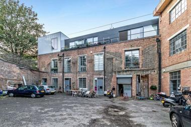 One Bedroom Warehouse Style Apartment at Trafalgar Mews, Hackney Wick, E9, 5JG