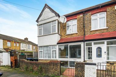 Four Bedroom house at Beamish Road, London, 7JA