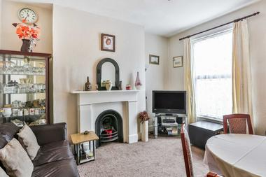Four Bedrooms at Alvington Crescent, Dalston, 2NN