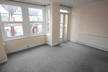 1/2 Bedrooms at St. Margaret`s Avenue, Seven Sisters, 3DH