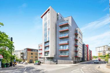 Two Double Bedrooms at Altius Apartments, Bow, 2PZ