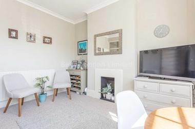 Amazing two bedroom flat at BOUNDARIES ROAD, BALHAM SW12, 8HG