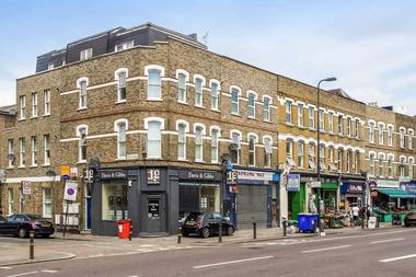 Open plan reception room with space to dine at Brixton Road, Oval SW9, 6BU