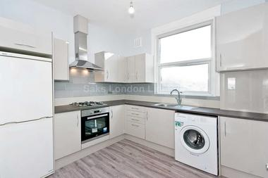 Brand new kitchen at Brixton Road, London, 6BU