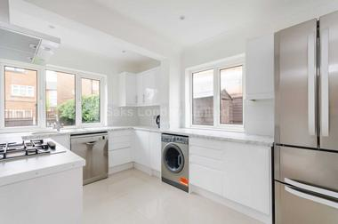 Two large bedrooms at Cowick Road, Upper Tooting, 8LH