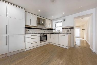 Superb two bedroom flat at CASTLE STREET, KINGSTON KT1, 6BF