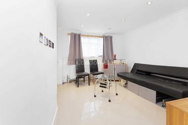 One bedroom house at CAISTOR MEWS, BALHAM, SW12, 8QW